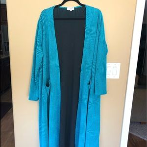 Brand New, Never Worn Medium LulaRoe Sarah!